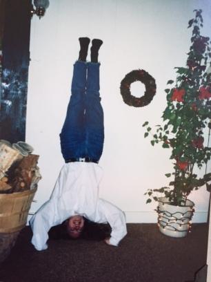 aimee xmas headstand