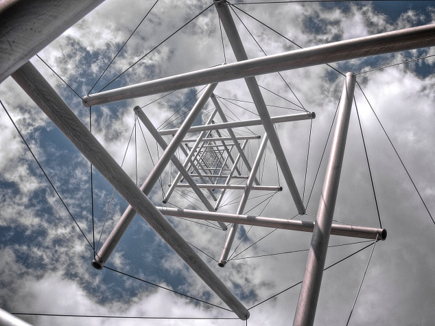 Tensegrity by Clayton Shonkweiler (Flickr)